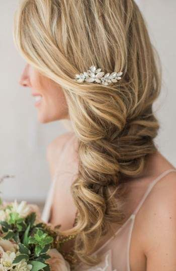 1. Brides & Hairpins Abril Comb