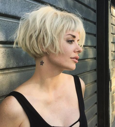 1. Platinum-blonde Short Bob Haircuts