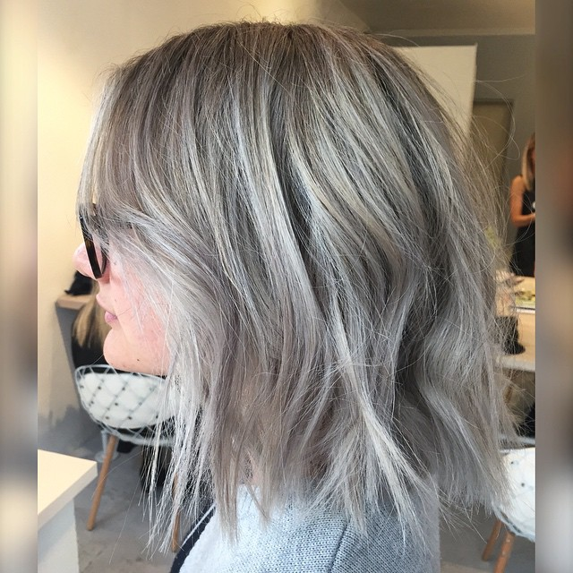 11. Fresh Messy Bob Hairstyles With Layers