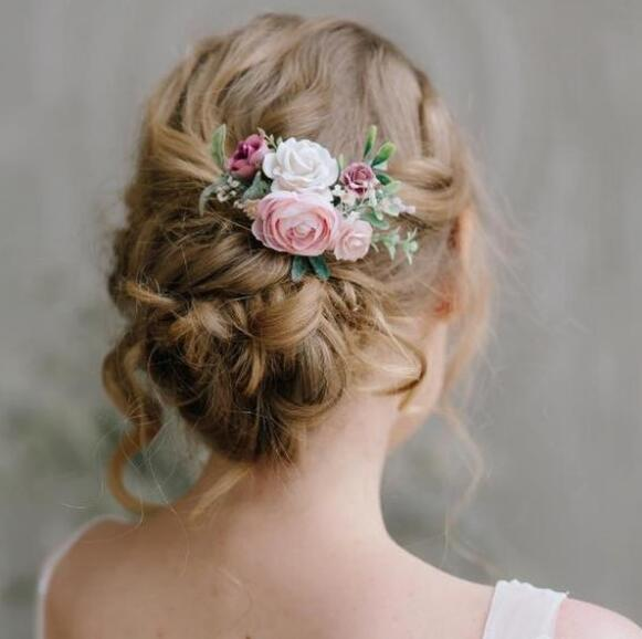 17. Beautiful Bridal Hairstyles with Flowers