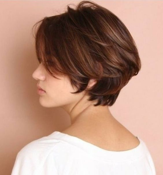 8. Stylish Short Bob Haircuts That Balance Your Face Shape