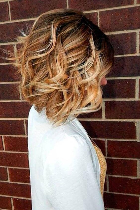 1. Pretty Angled Honey Blonde Lob