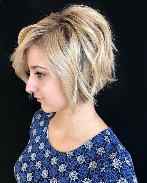 21. Short Blonde Bob Hairstyle