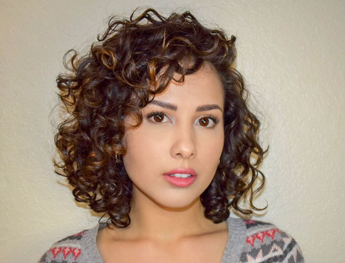 Short Curly Hair With Bangs And Layers 38