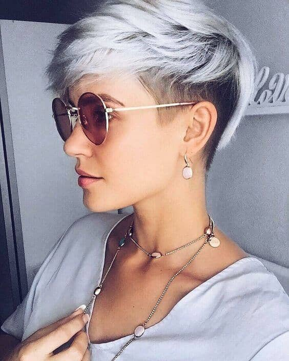 7. The Two-toned Razor Cut Pixie for Texture