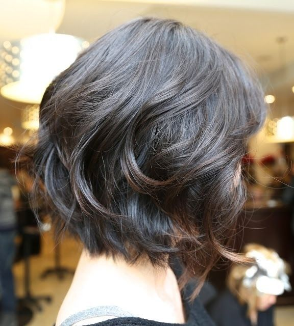 14. Short Wavy Bob Hairstyle for Black Hair