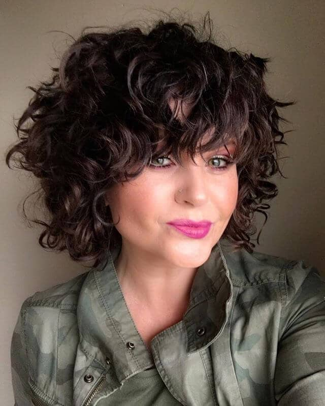 8. Short Wavy Hair with Voluminous Waves