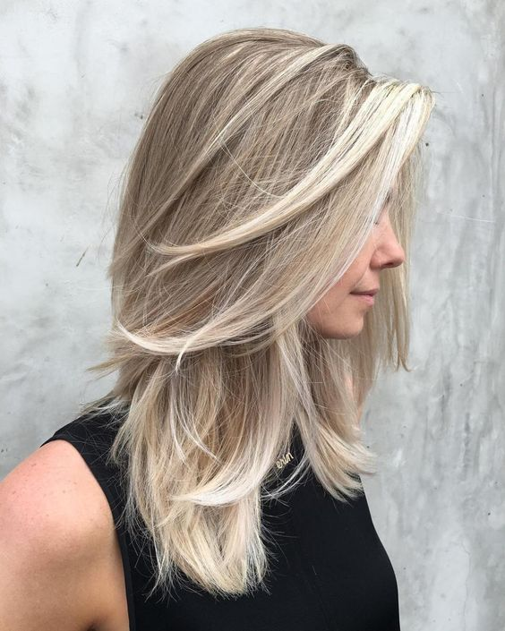 Beautiful Blonde Hairstyles to Play Around With