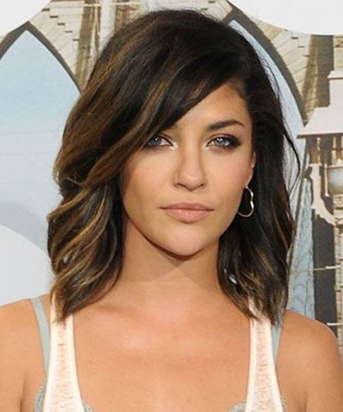 Cutest Mid Length Hairstyles 2019 for Women to Try This Year