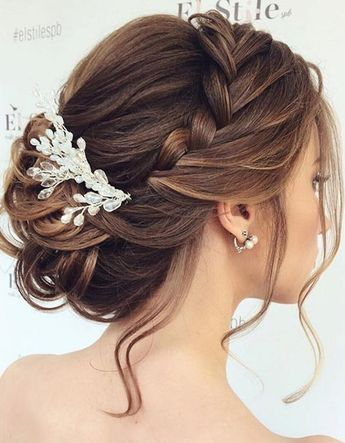 Hairstyles Were Made For A Breezy Beach Wedding