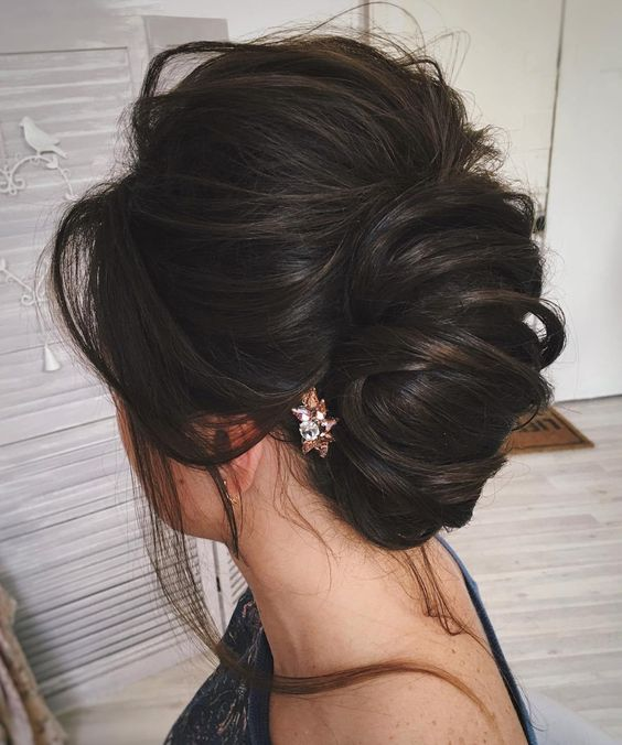 Most Delightful Prom Updos for Long Hair in 2019 (2)