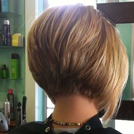 Popular Short Haircuts for Thick Hair
