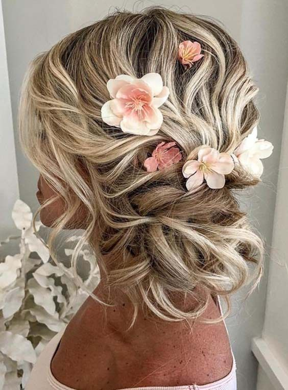 Romantic Bridal Updo Hairstyles Trends