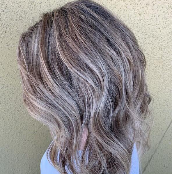 Pretty Medium Hairstyles And Haircuts For Women 2020 Lead Hairstyles