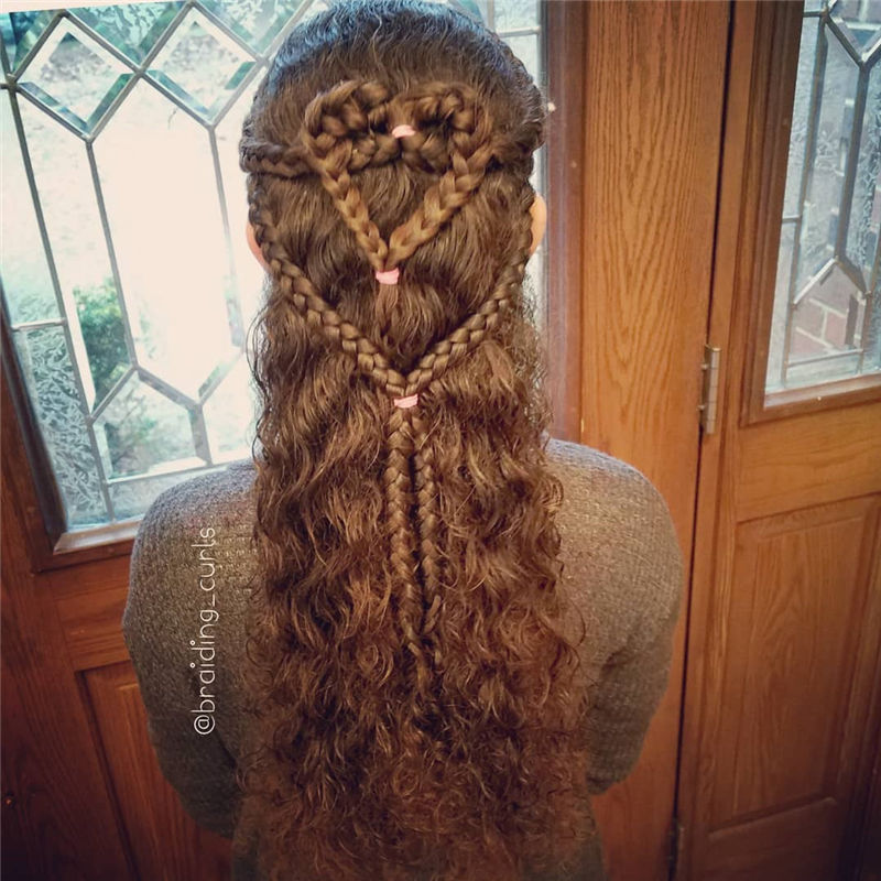 Best Hairstyles Perfect for Valentine's Day-07