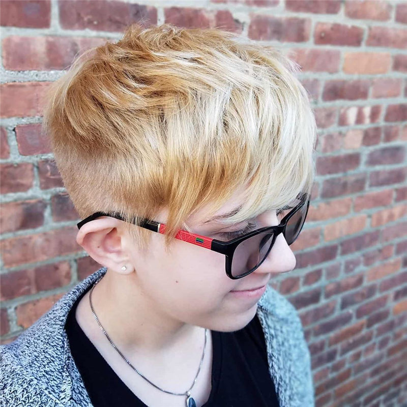 Best Short Haircuts to Inspire Your Prom Look-37