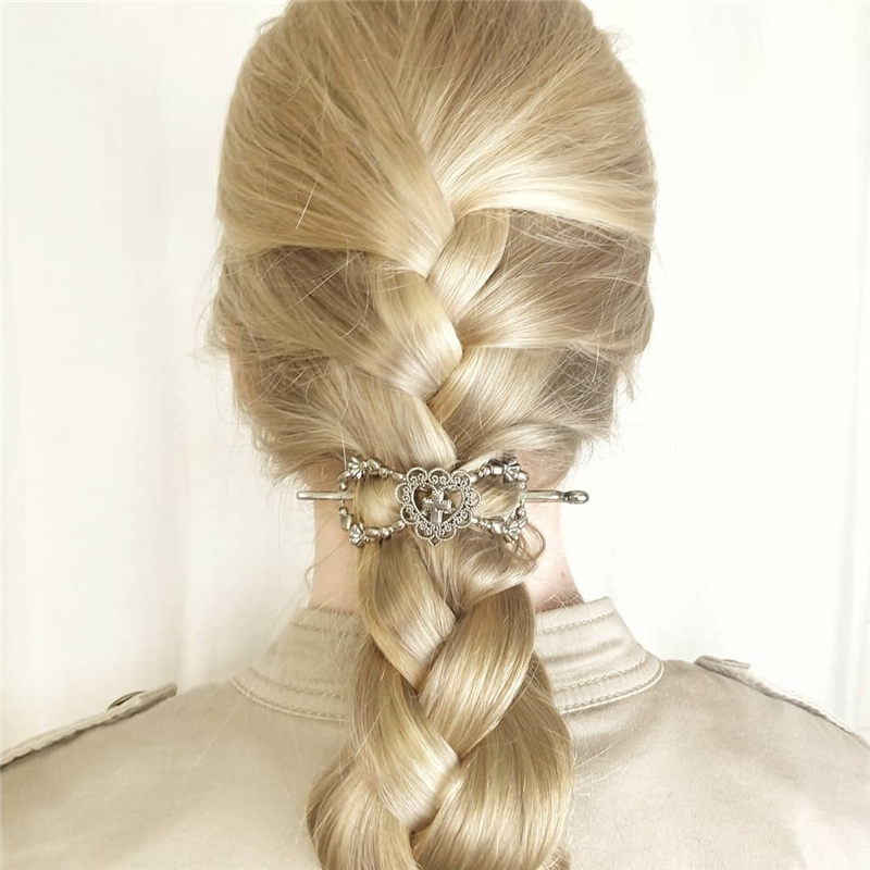 Best Valentine's Day Hairstyles For Girls for Whatever You Have Planned-12