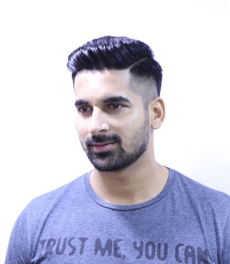 Cool Short Haircut for Men with Highlight in 2020-08