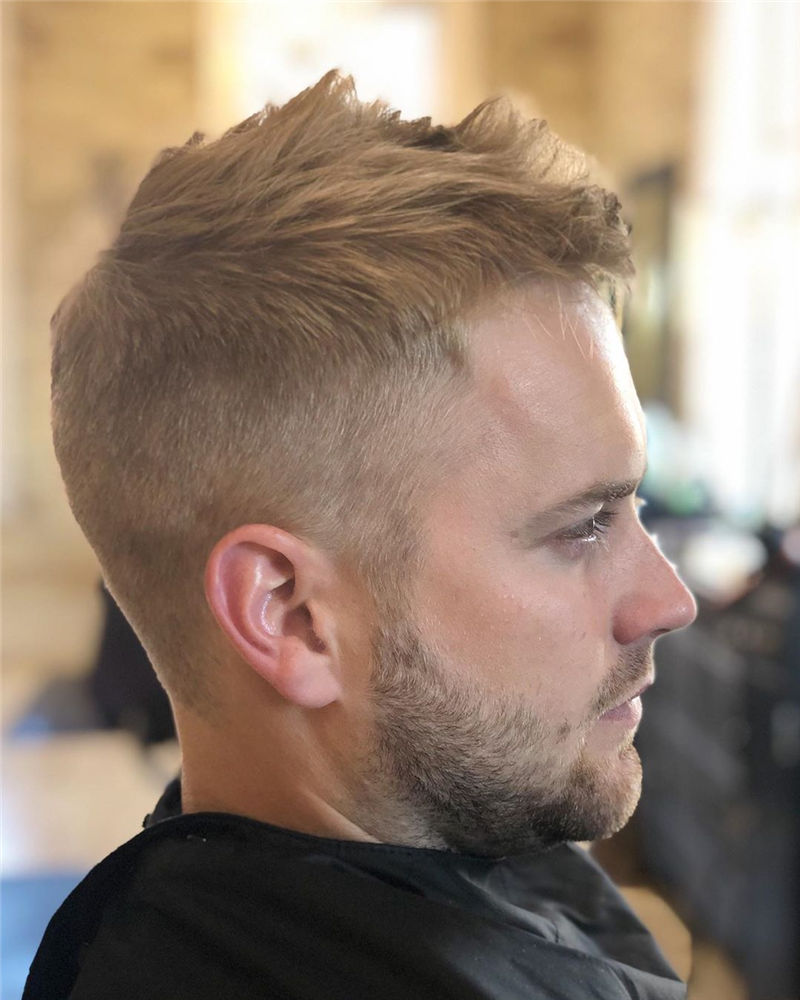 Cool Short Haircut for Men with Highlight in 2020-15