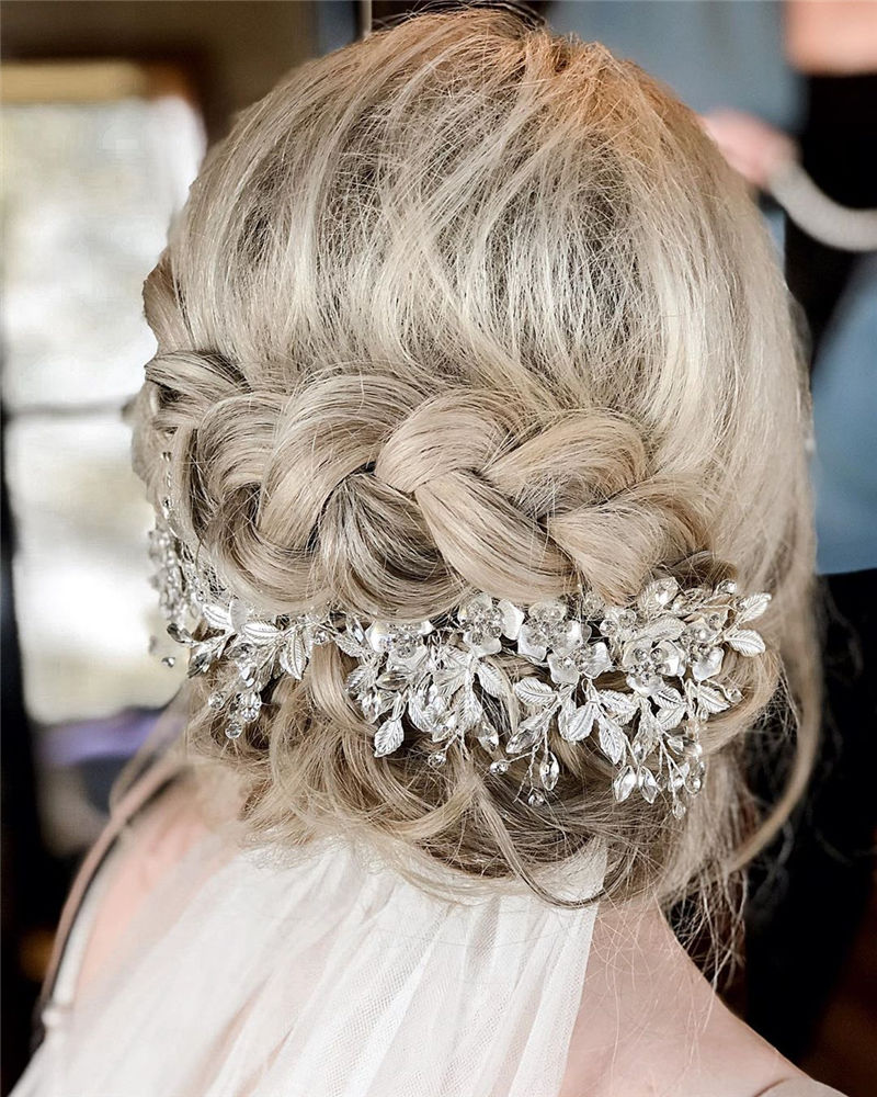 Gorgeous Wedding Hairstyles You May Like-31
