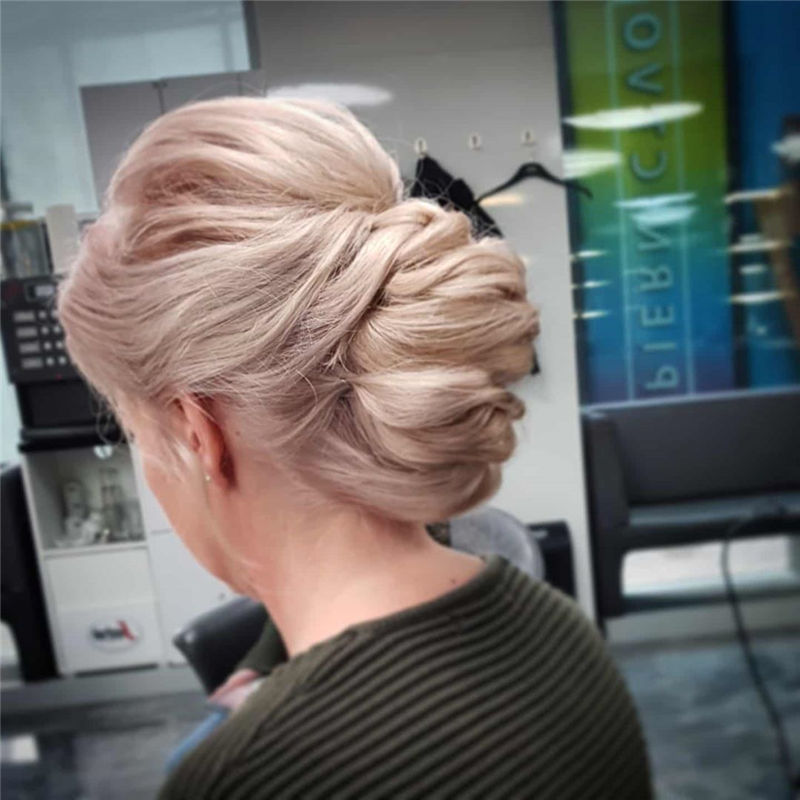 New Updos You'll Love to Wear in 2020-33