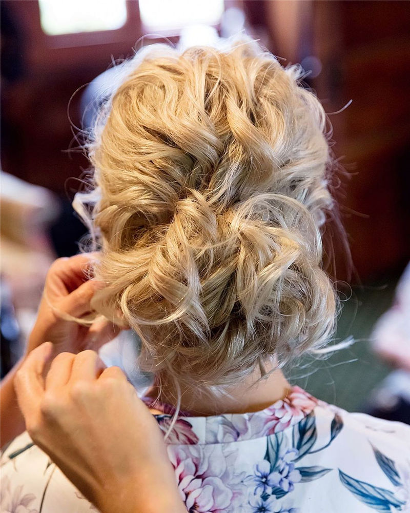 New Updos You'll Love to Wear in 2020-34
