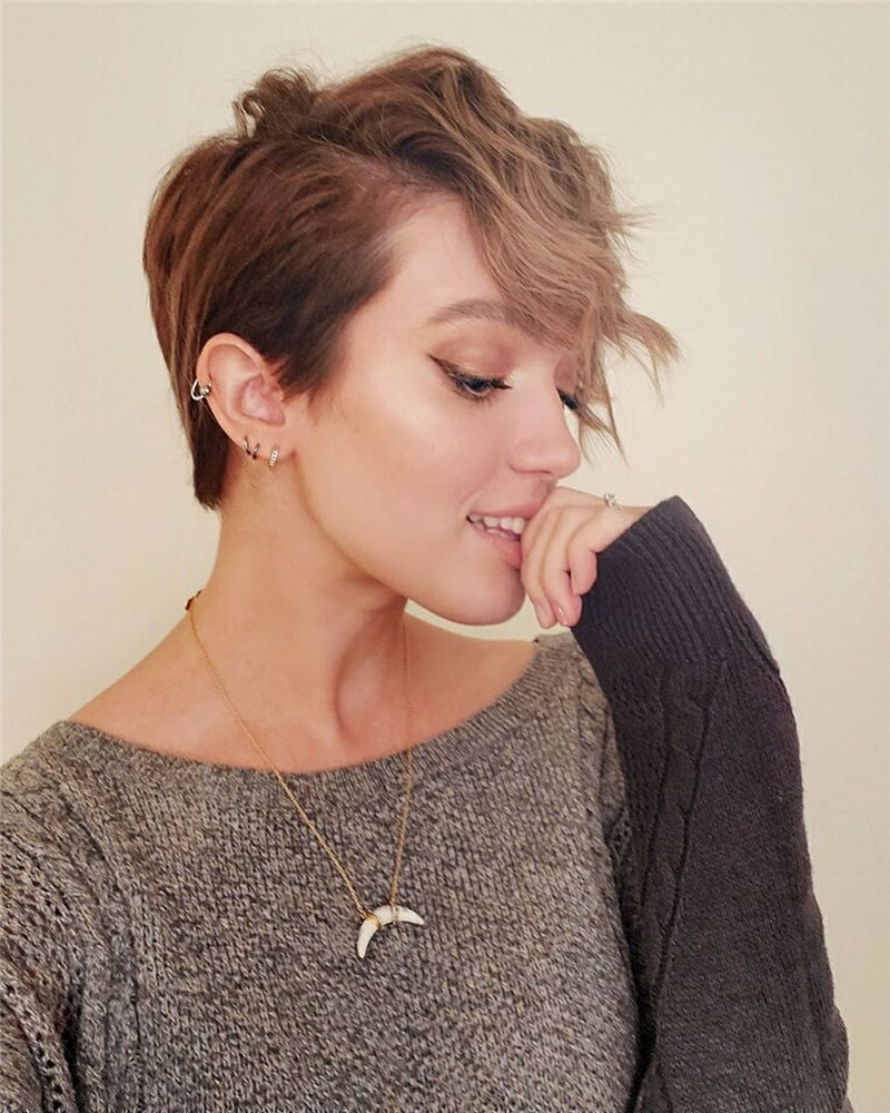Popular Short Pixie Cut Hairstyles with Casual and Prom Looks-09