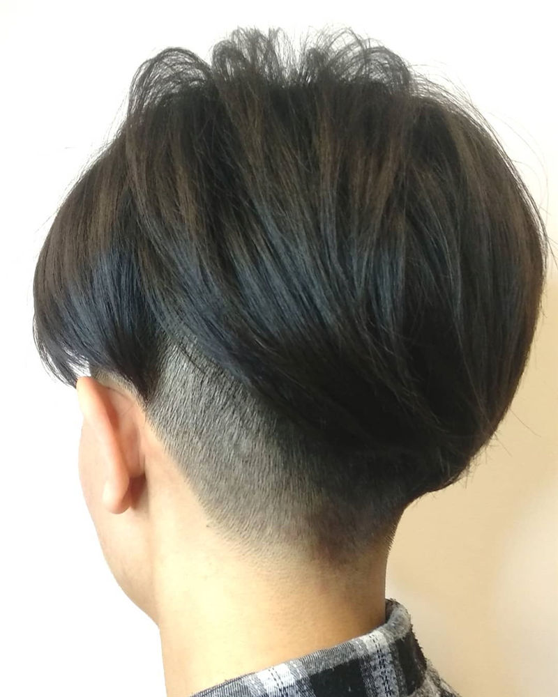 Popular Short Pixie Cut Hairstyles with Casual and Prom Looks-24