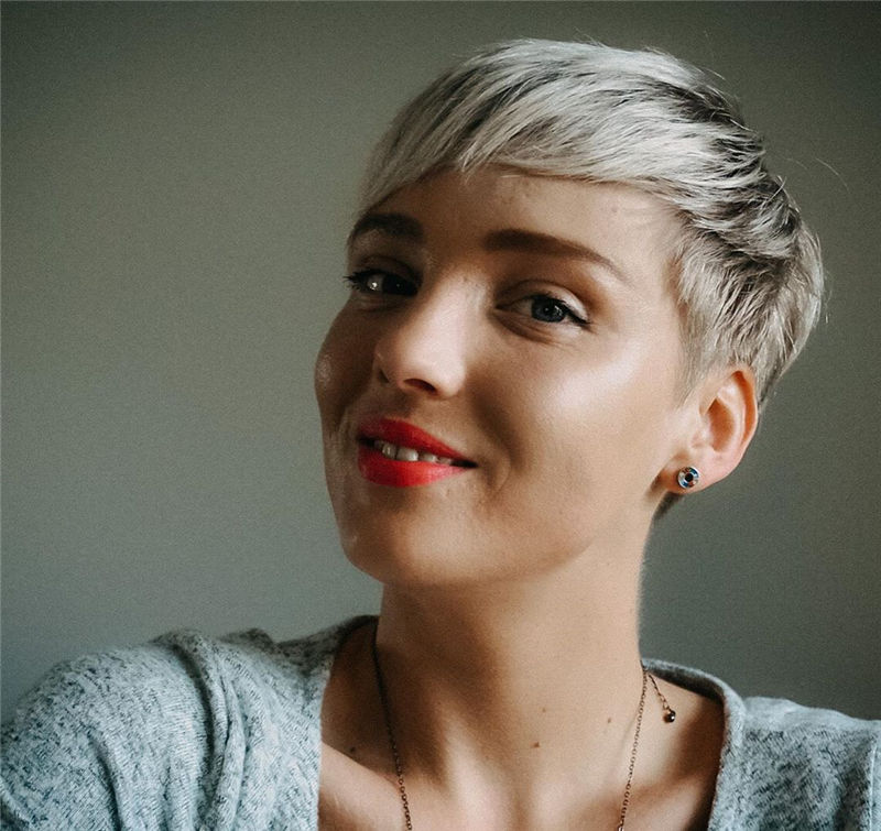 Popular Short Pixie Cut Hairstyles with Casual and Prom Looks-26