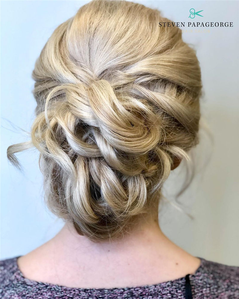 The Perfect Bridal Updo Hairstyles That You Will Totally Adore-01