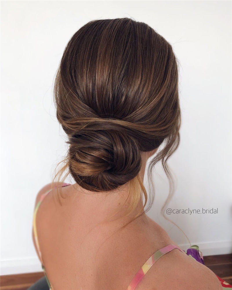 The Perfect Bridal Updo Hairstyles That You Will Totally Adore-03