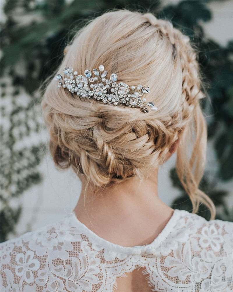The Perfect Bridal Updo Hairstyles That You Will Totally Adore-08