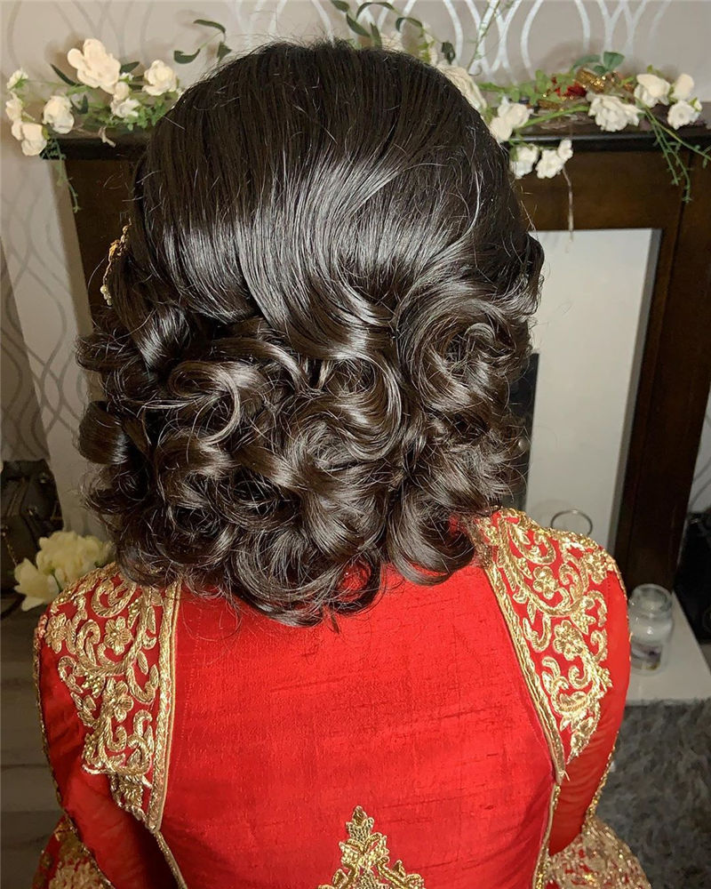 The Perfect Bridal Updo Hairstyles That You Will Totally Adore-26