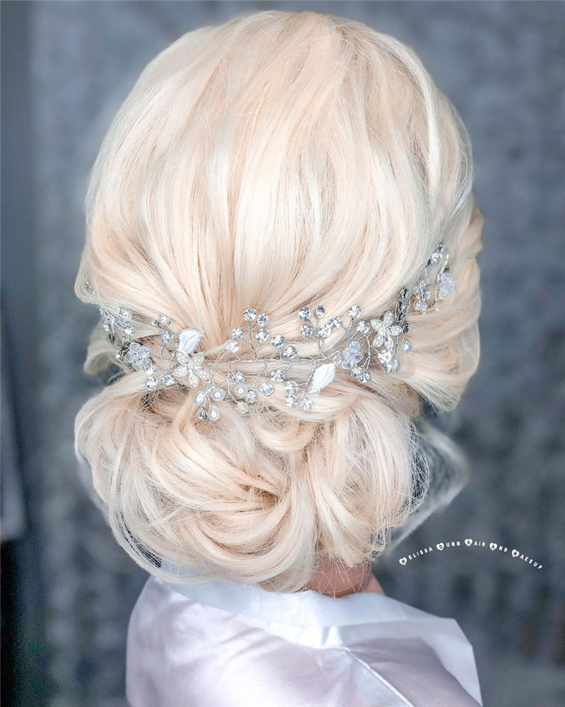 The Perfect Bridal Updo Hairstyles That You Will Totally Adore-27