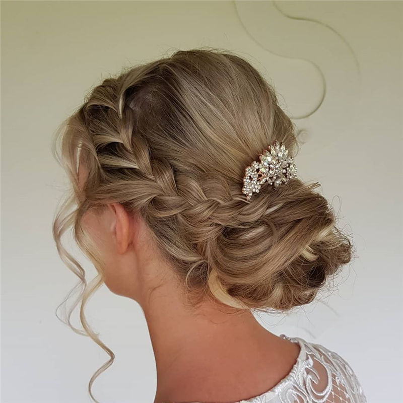 The Perfect Bridal Updo Hairstyles That You Will Totally Adore-30