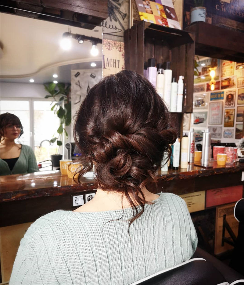 The Perfect Bridal Updo Hairstyles That You Will Totally Adore-40