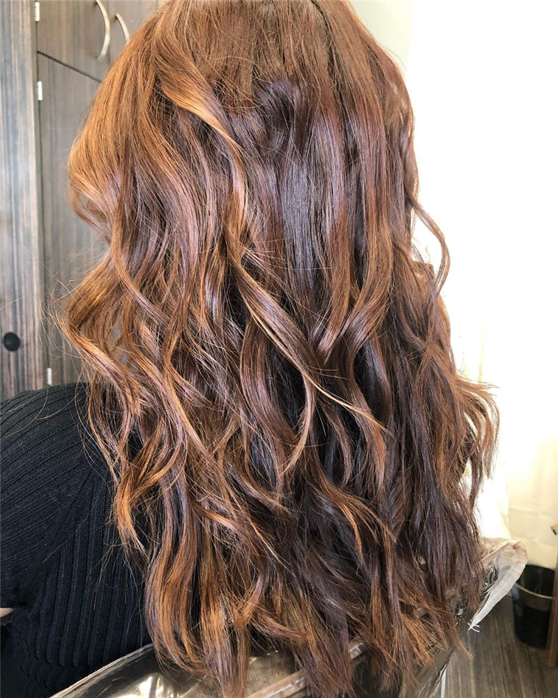 Chic Wavy Hairstyles You Can Do Yourself-02