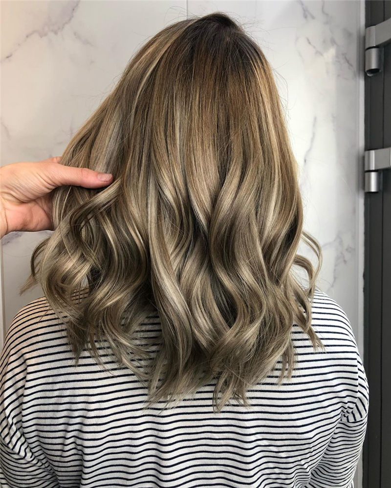 Chic Wavy Hairstyles You Can Do Yourself-03