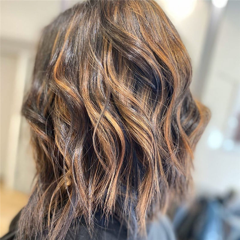 Chic Wavy Hairstyles You Can Do Yourself-04
