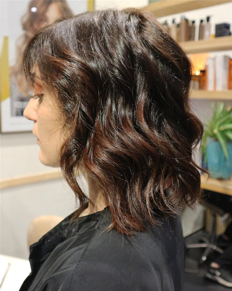Chic Wavy Hairstyles You Can Do Yourself-07