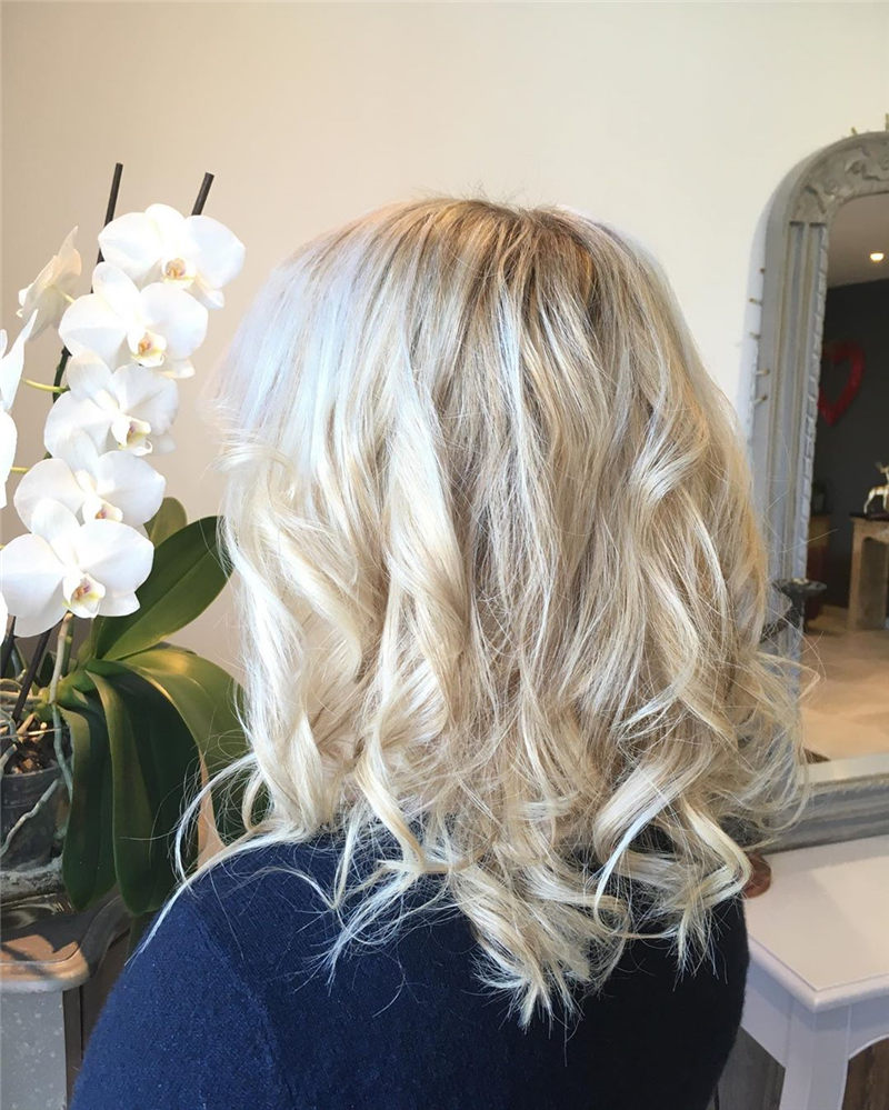 Chic Wavy Hairstyles You Can Do Yourself-16