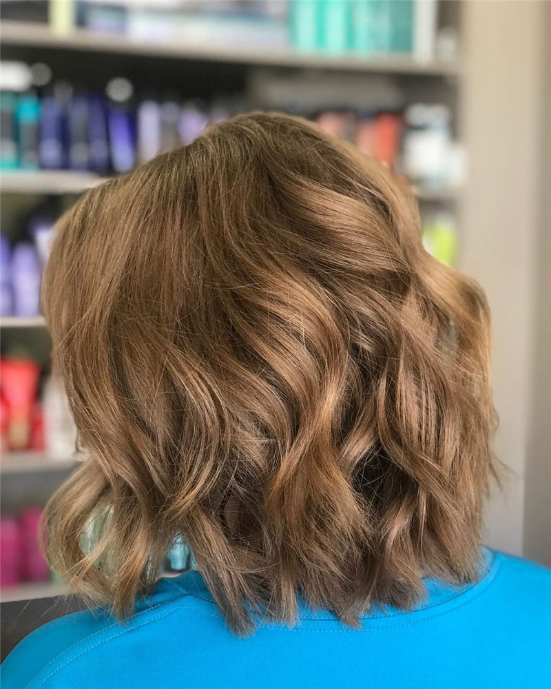 Chic Wavy Hairstyles You Can Do Yourself-32