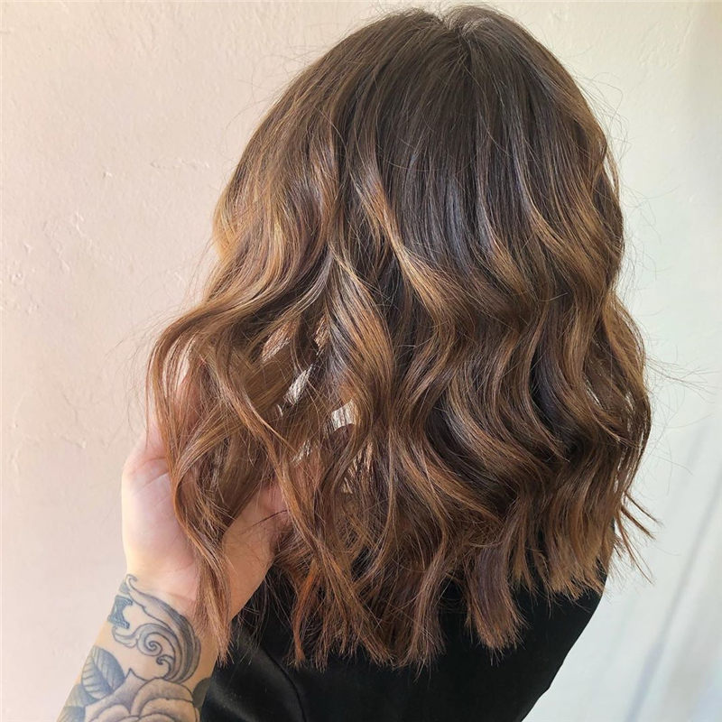 Chic Wavy Hairstyles You Can Do Yourself-37