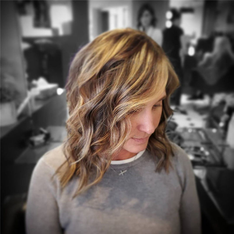 Chic Wavy Hairstyles You Can Do Yourself-39