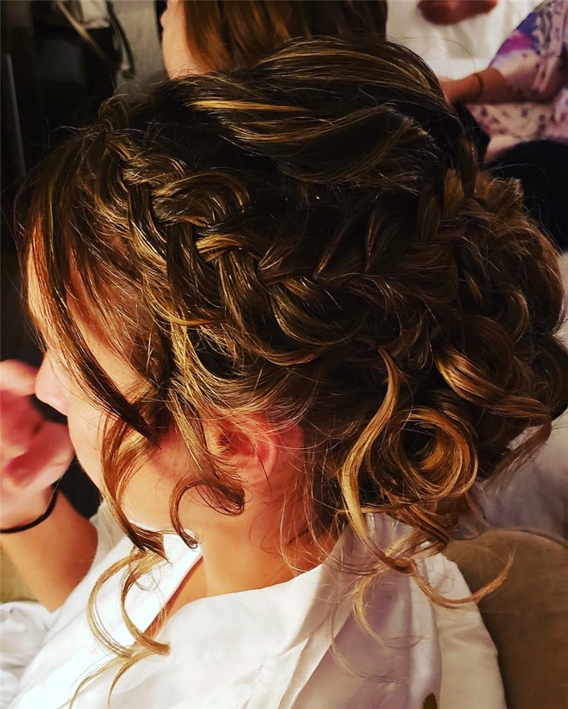 Fantastic Wedding Hairstyles to Inspire Your Prom Look-01