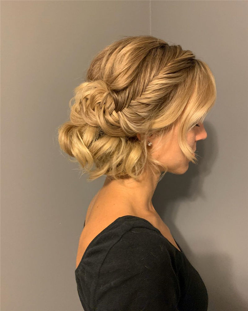 Fantastic Wedding Hairstyles to Inspire Your Prom Look-31