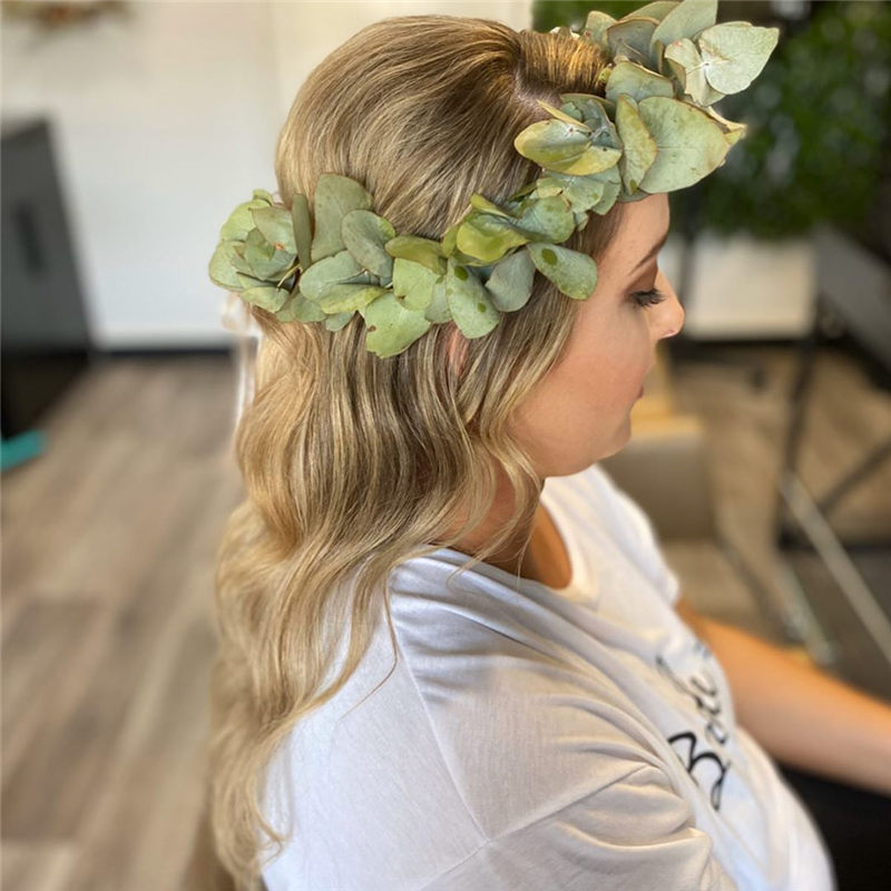 Fantastic Wedding Hairstyles to Inspire Your Prom Look-32