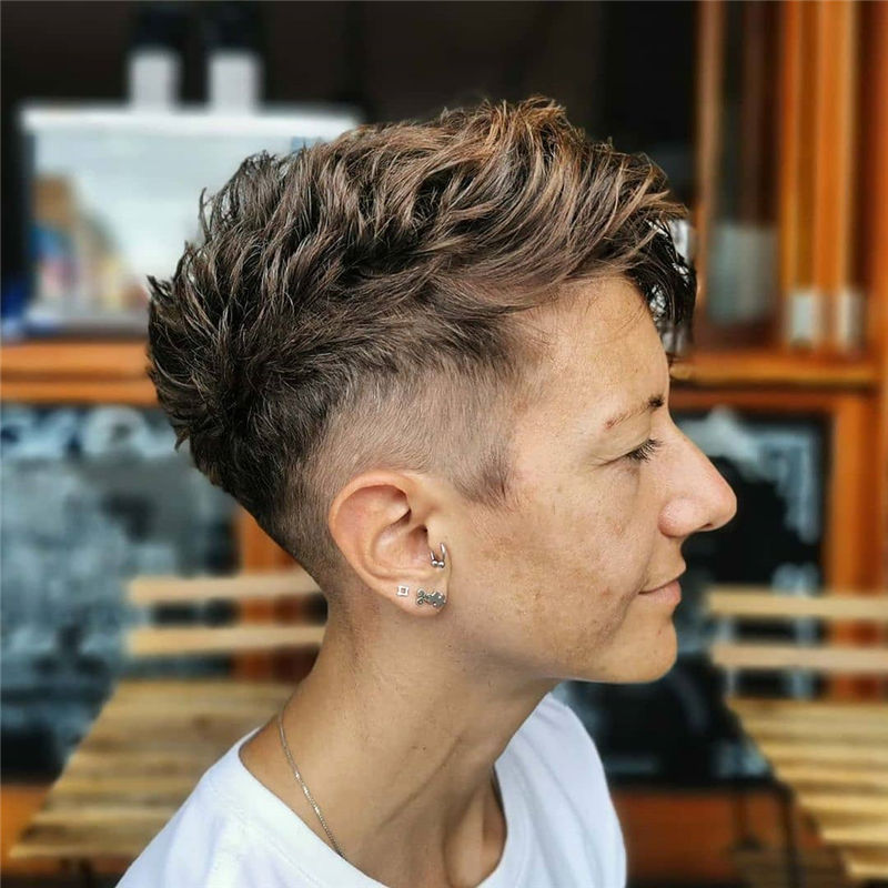 Most Popular Pixie Haircuts for A Trendy Look-09