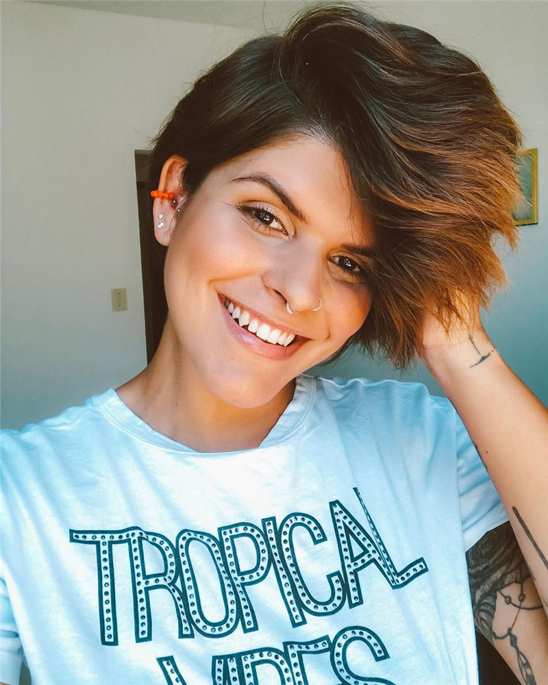 Most Popular Pixie Haircuts for A Trendy Look-31