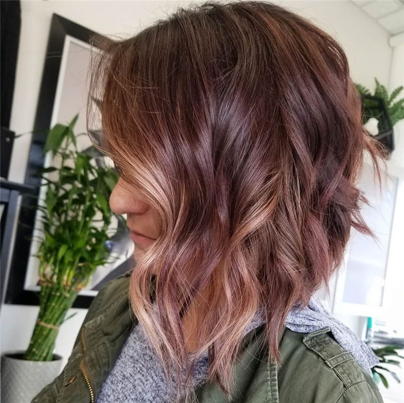 Sort and Pretty Medium Hairstyles That Will Trend in 2020 22
